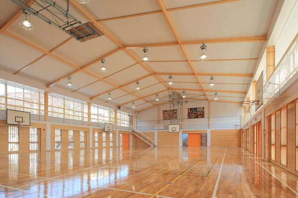 日立市立中里小学校屋内運動場(2011)