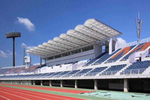 笠松運動公園主陸上競技場 [改修] (2011)