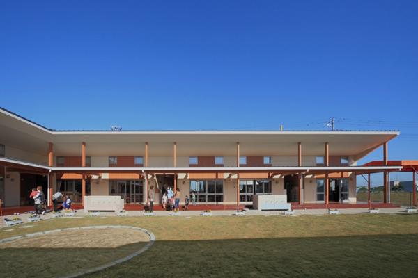 慈母学園 (2013)